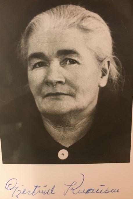 Gjertrud Myreslåtta Knausen